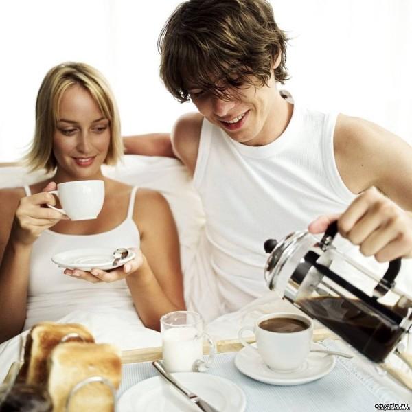 Молодая жена и мужчина и закон притяжения